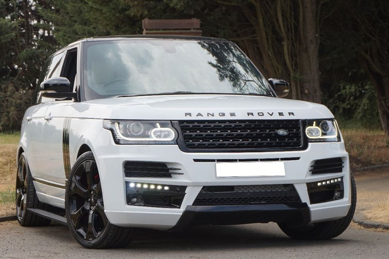 used Land Rover Range Rover SDV8 VOGUE SE ** CUSTOM STYLING **  in essex