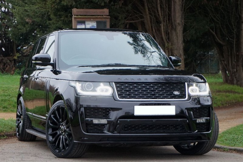 used Land Rover Range Rover TDV6 VOGUE SE ** 2017 SVO STYLING ** PAN ROOF ** in essex