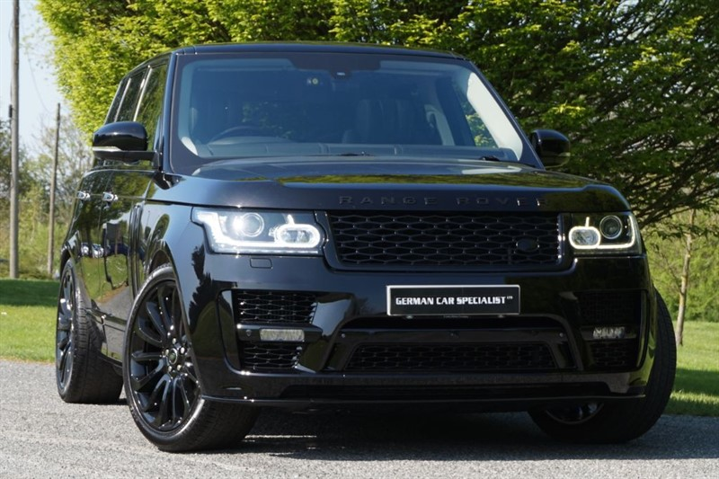 used Land Rover Range Rover SDV8 AUTOBIOGRAPHY ** THE ULTIMATE SPEC ** EXECUTIVE ** REAR TV'S **  in essex