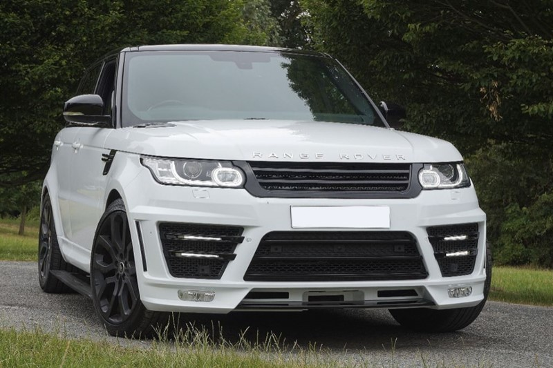 used Land Rover Range Rover Sport SDV6 HSE DYNAMIC ** PAN ROOF & DEPLOY-ABLE STEPS **  in essex