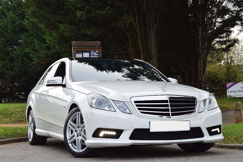 used Mercedes E250 CDI BLUEEFFICIENCY SPORT ** PAN ROOF & SAT NAV ** in essex