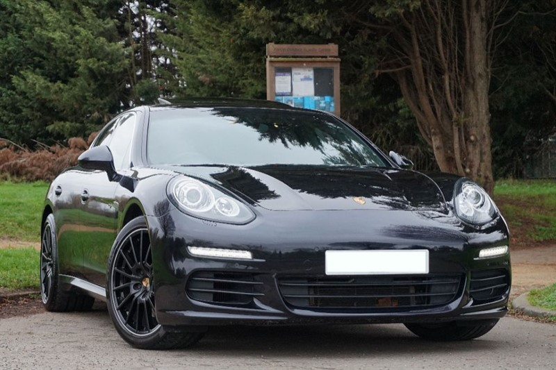 used Porsche Panamera E-Hybrid V6 S Tiptronic S ** TOP SPECIFICATION ** RED LEATHER ** in essex
