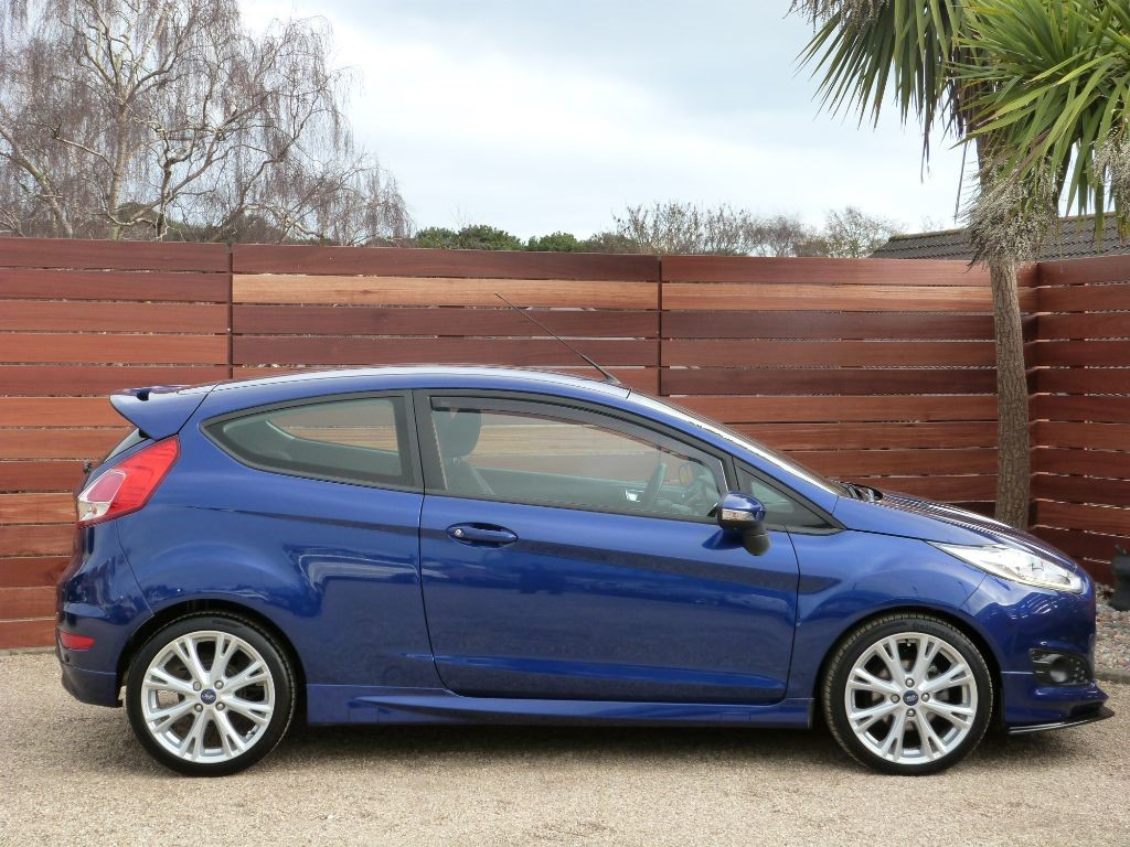 used deep impact blue ford fiesta for sale dorset. Black Bedroom Furniture Sets. Home Design Ideas