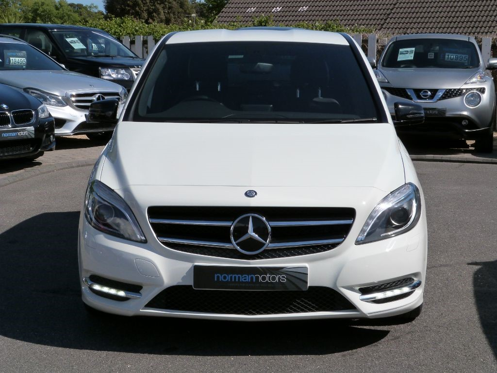 used cirrus white mercedes b200 cdi for sale dorset. Black Bedroom Furniture Sets. Home Design Ideas