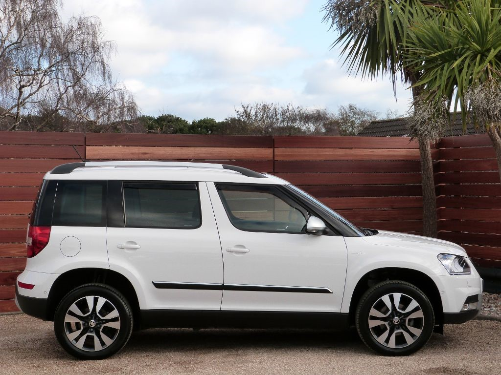 Used Candy White Skoda Yeti For Sale Dorset