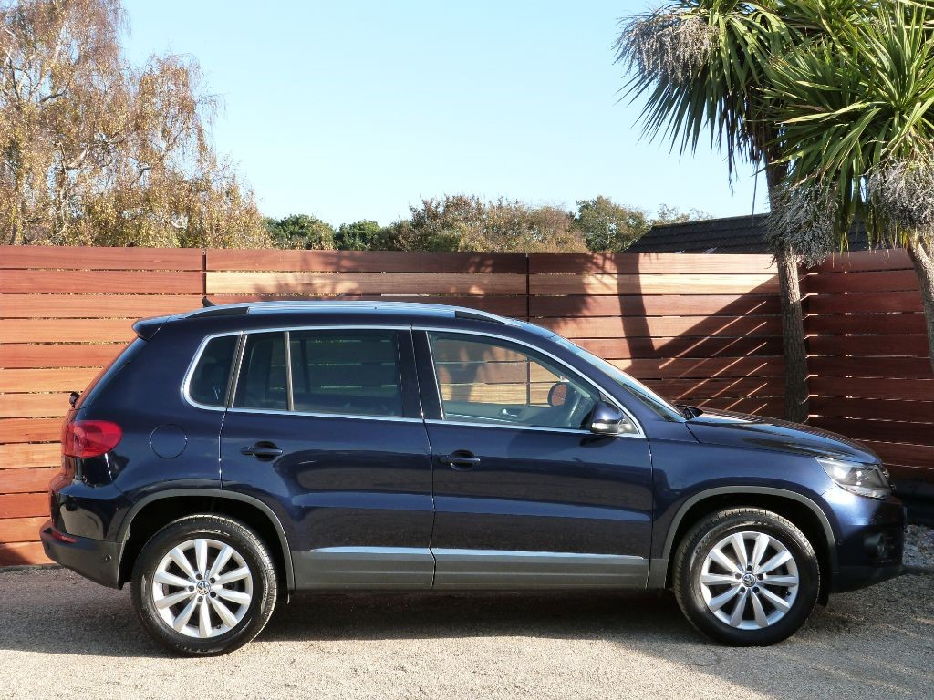 used night blue vw tiguan for sale dorset. Black Bedroom Furniture Sets. Home Design Ideas