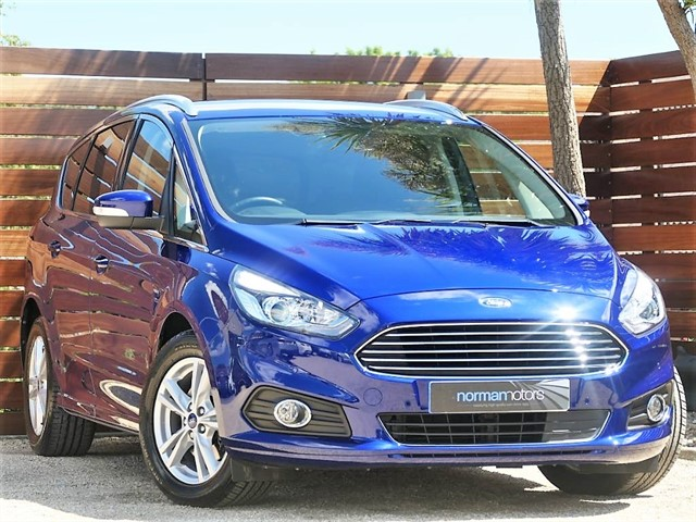 used Ford S-Max TITANIUM