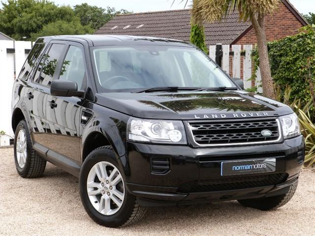 used Land Rover Freelander TD4 BLACK AND WHITE
