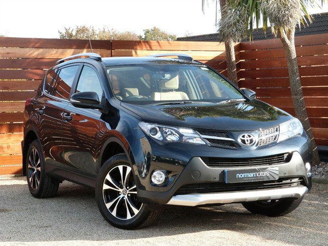 used Toyota  RAV-4 D-4D INVINCIBLE