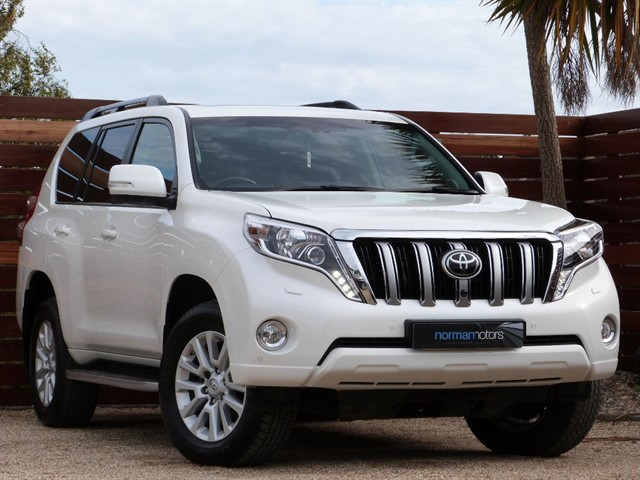 used Toyota Land Cruiser D-4D INVINCIBLE