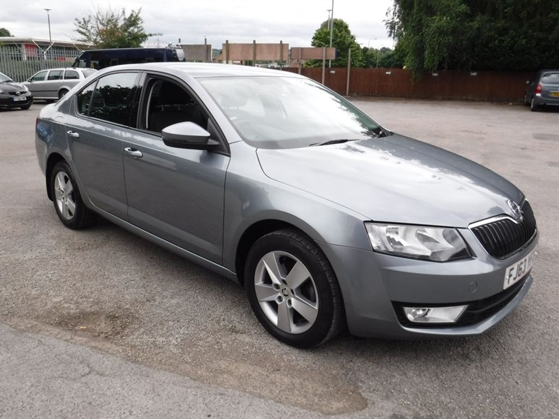 used Skoda Octavia SE TDI CR DSG in in-huddersfield-west