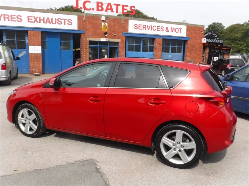 used Toyota Auris EXCEL VALVEMATIC in in-huddersfield-west