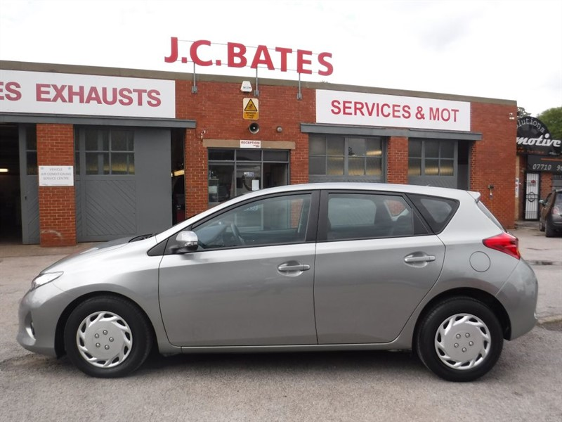 used Toyota Auris ACTIVE DUAL VVT-I in in-huddersfield-west