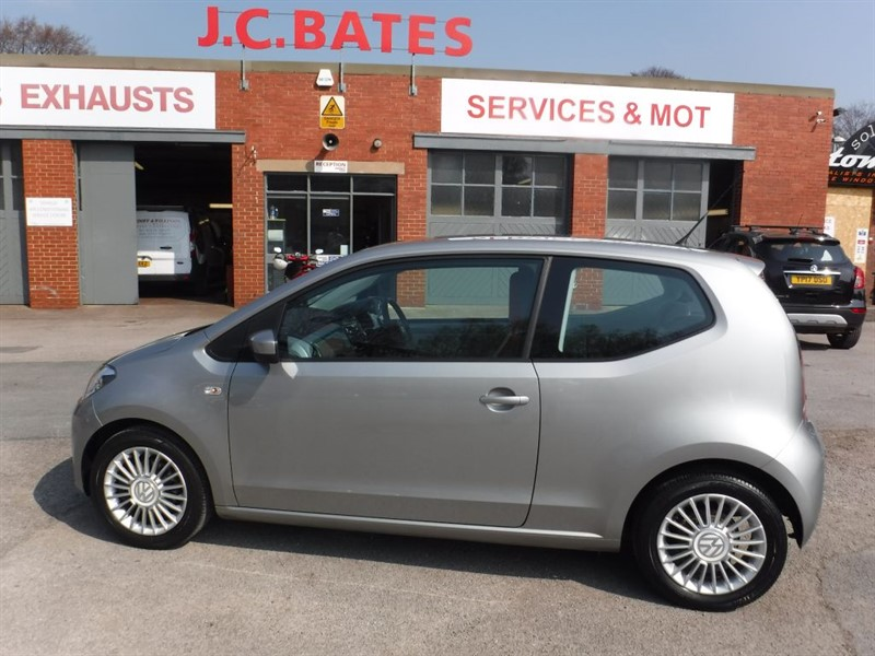 used VW Up HIGH UP BLUEMOTION TECHNOLOGY in in-huddersfield-west