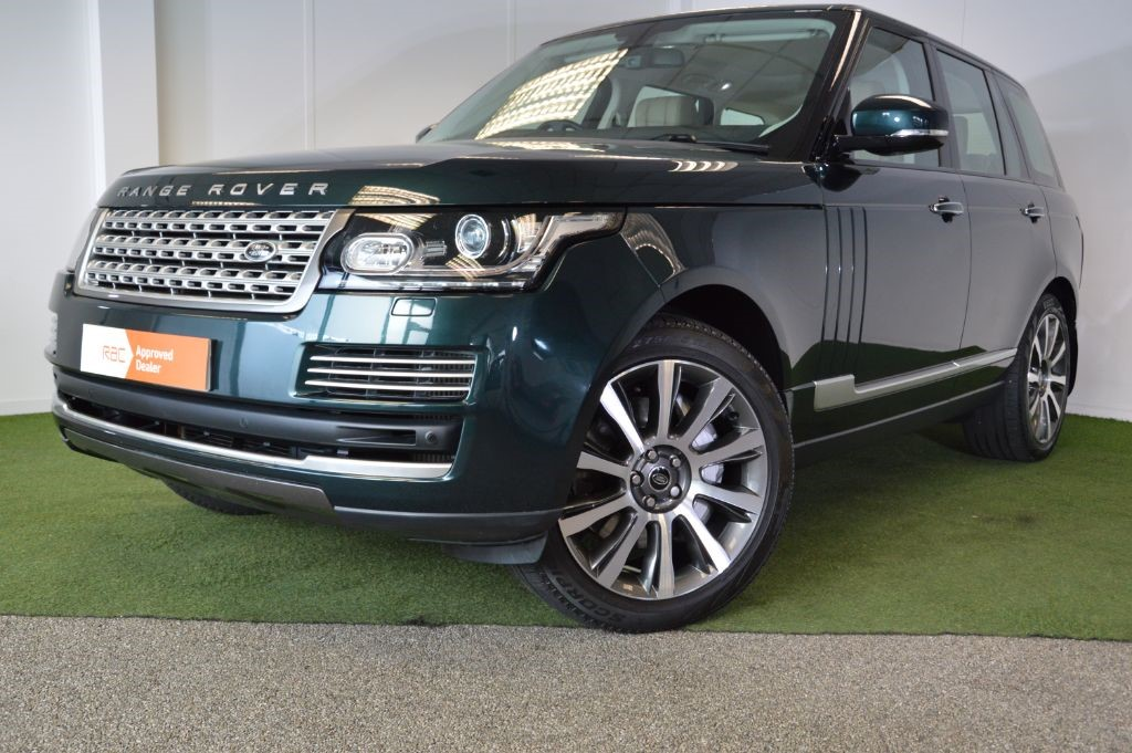 used Land Rover Range Rover SDV8 VOGUE SE in bournemouth