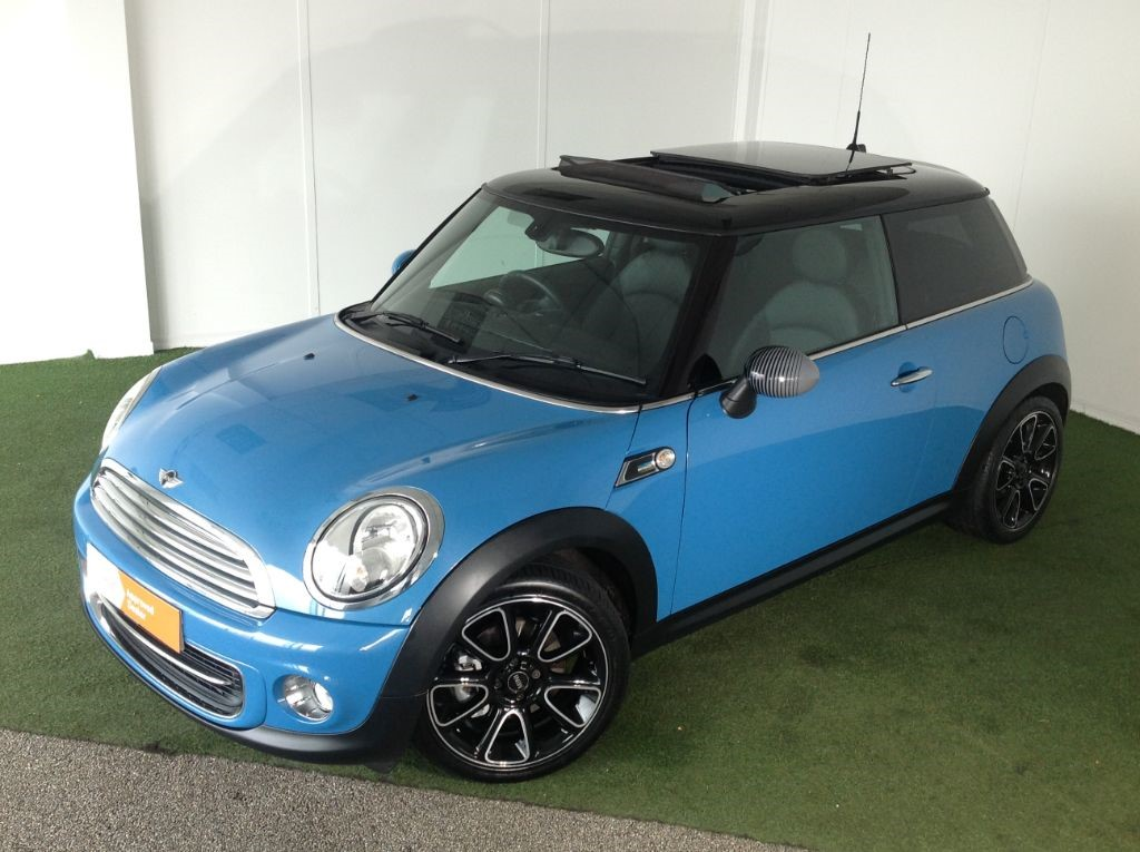 used MINI Hatch COOPER BAYSWATER in bournemouth
