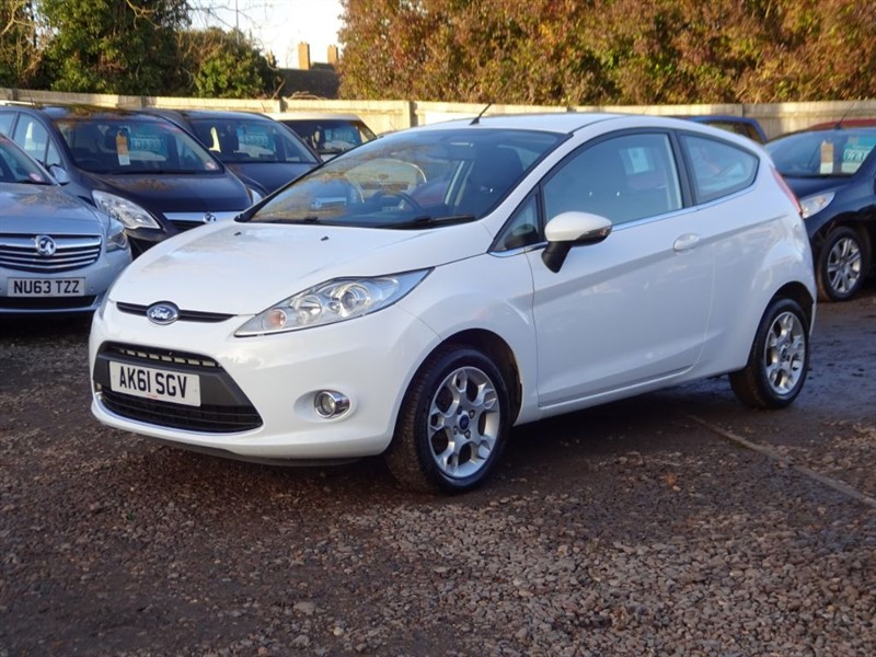 used Ford Fiesta ZETEC 16V in cambridgeshire-for-sale
