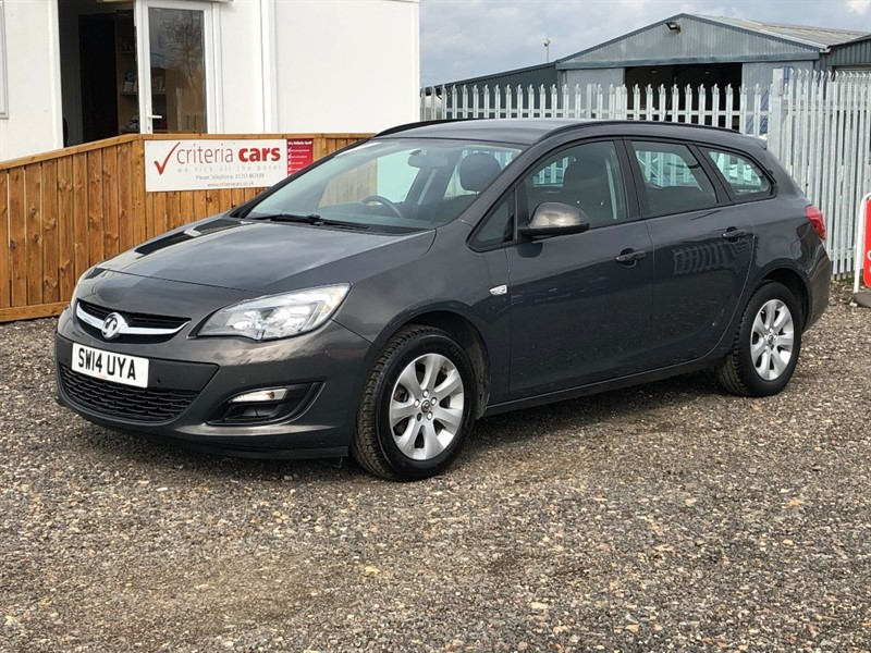 used Vauxhall Astra DESIGN AUTO in cambridgeshire-for-sale