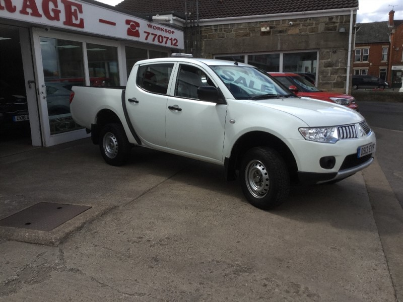 used Mitsubishi L200 DI-D 4X4 4WORK LB DCB in sheffield-south-yorkshire