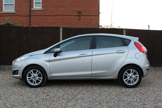 used Ford Fiesta ZETEC TDCI in thatcham-berkshire