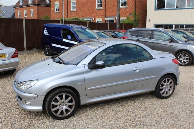 used Peugeot 206 ALLURE COUPE CABRIOLET *TRADE SALE VEHCILE in thatcham-berkshire
