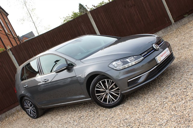 used VW Golf SE NAVIGATION TSI EVO in thatcham-berkshire
