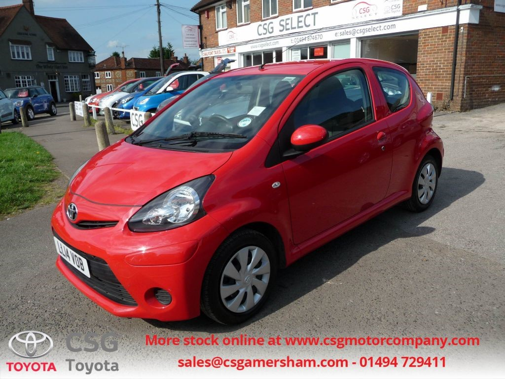 used chilli red toyota aygo for sale buckinghamshire. Black Bedroom Furniture Sets. Home Design Ideas