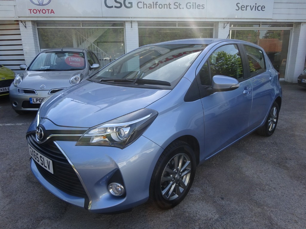 Toyota Yaris For Sale >> Used Sintra Blue Toyota Yaris For Sale Buckinghamshire