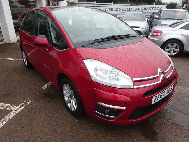 used Citroen C4 Picasso VTR PLUS E-HDI EGS -PDC - CLIMATE - SAT NAV in amersham