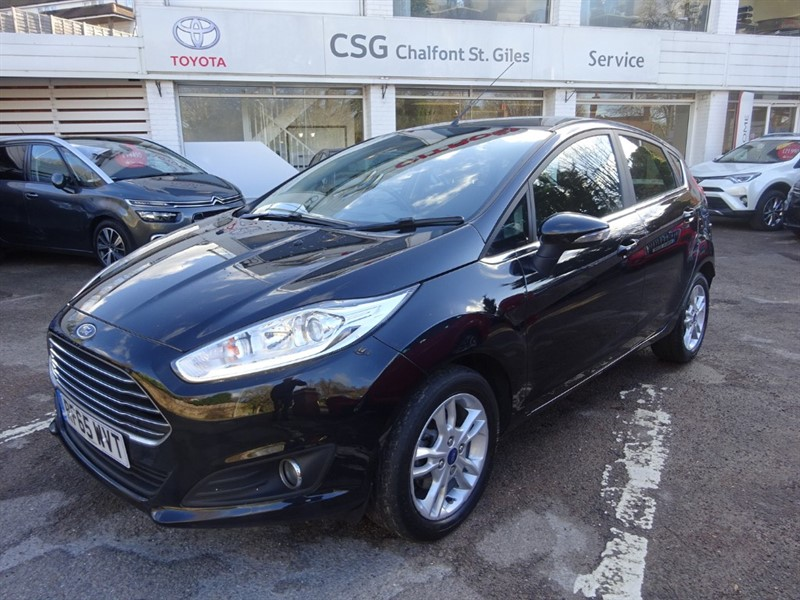 used Ford Fiesta ZETEC - AIR CON - ALLOYS - THIRTY POUNDS TAX in amersham
