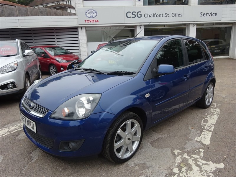 used Ford Fiesta ZETEC CLIMATE 16V - AIR CON - ALLOYS - E/W in amersham