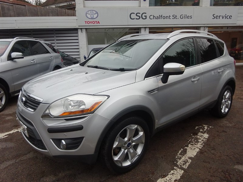 used Ford Kuga TITANIUM TDCI  4x4 - SAT NAV - FFSH - 1/2 LEATHER in amersham