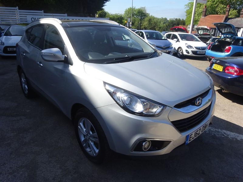 used Hyundai ix35 PREMIUM CRDI - SAT NAV - H/SEATS - SUNROOF - FSH in amersham