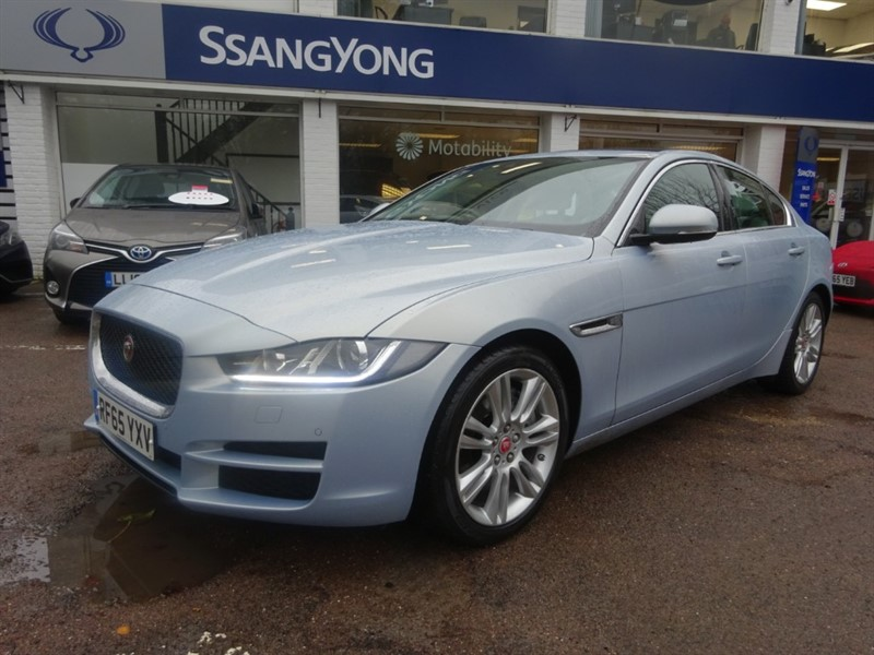 used Jaguar XE PORTFOLIO - OPENING ROOF - PRO NAV - R/CAMERA in amersham