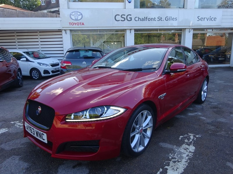 used Jaguar XF D R-SPORT - SAT NAV - 1/2 LEATHER - COMFORT PACK in amersham