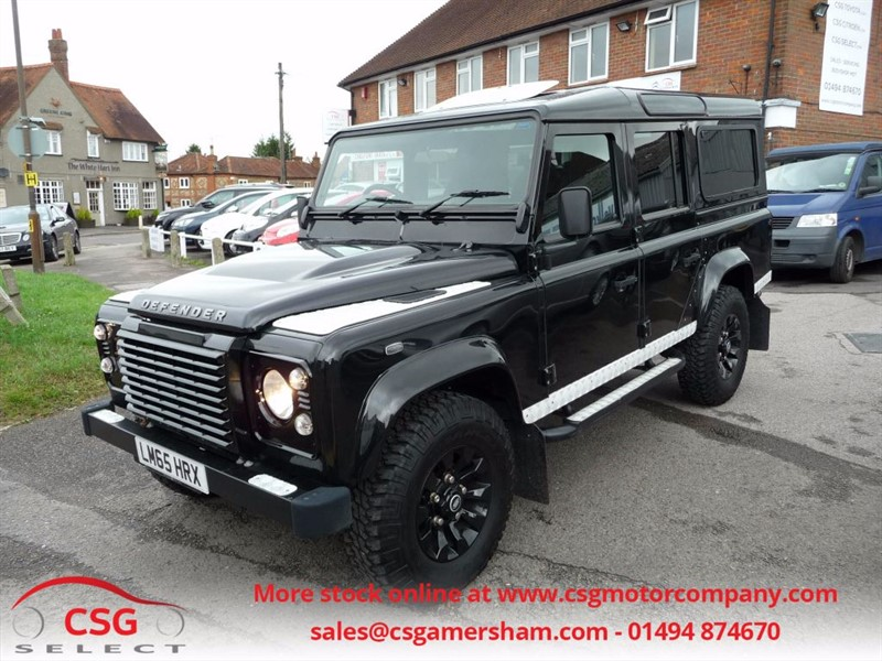 used Land Rover Defender 110 TD XS STATION WAGON - FSH - FULL LEATHER - SUNROOF - PRIVACY - AC in amersham