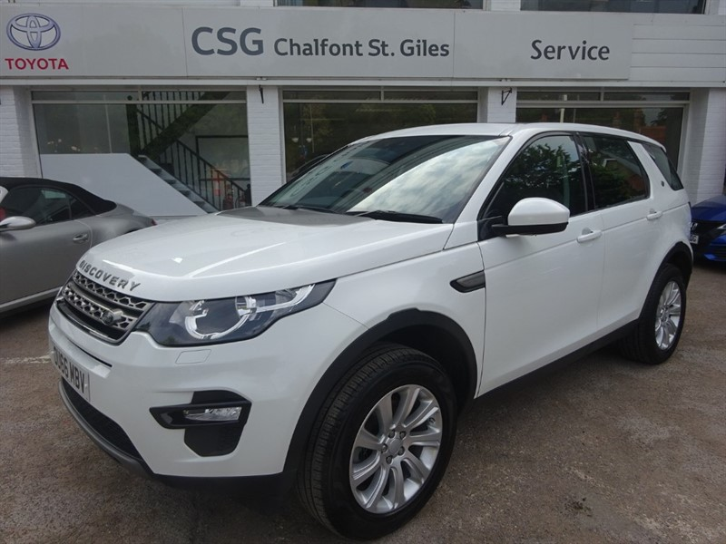 used Land Rover Discovery Sport TD4 SE TECH - PAN ROOF - H/LEATHER - FLSH - BLUETOOTH in amersham