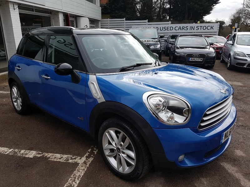 used MINI Countryman COOPER D ALL4 - H/SEATS - FMSH - SAT NAV - CHILLI PACK in amersham