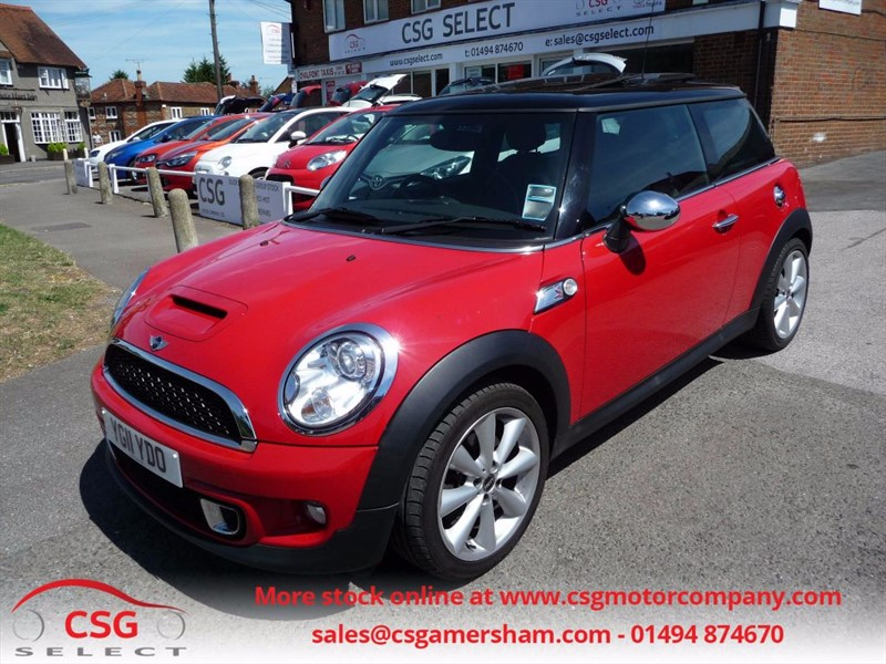 used MINI Hatch COOPER S AUTO - FMSH - NAV - SUNROOF - LEATHER - BLUETOOTH in amersham