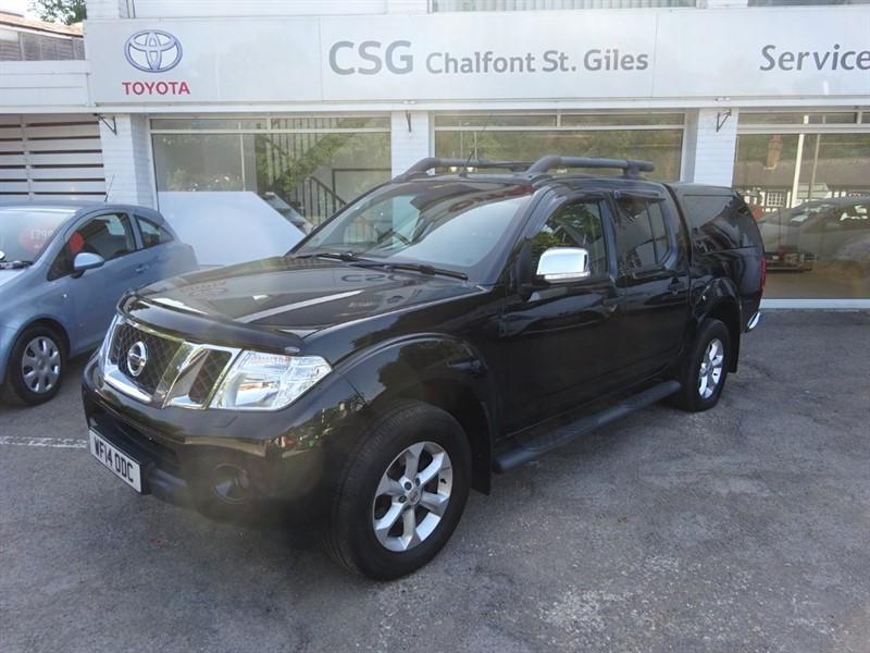used Nissan Navara DCI TEKNA 4X4 SHR DCB - SNUG TOP - LEATHER SEATS - R/CAMERA in amersham