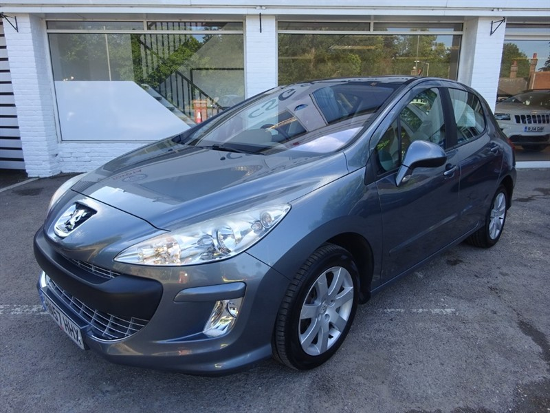 used Peugeot 308 SE HDI - P/ROOF - FSH - CRUISE CONTROL - CLIMATE CONTROL in amersham