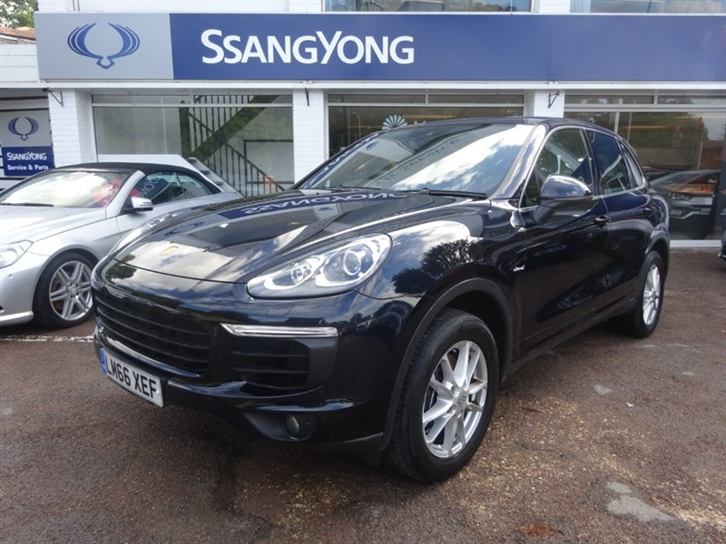 used Porsche Cayenne D V6 TIPTRONIC S- PANORAMIC ROOF - PDLS - HEATED LEATHER in amersham