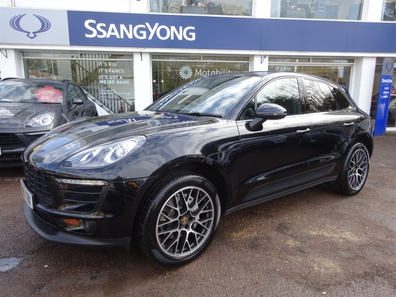 used Porsche Macan S PDK - PANORAMIC SUNROOF - FPSH - £10126 OF OPTIONS in amersham