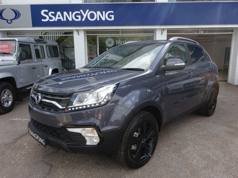 used Ssangyong Korando LE 2.2D - SAT NAV - R/CAMERA -H/SEATS -PARKING SENSORS in amersham