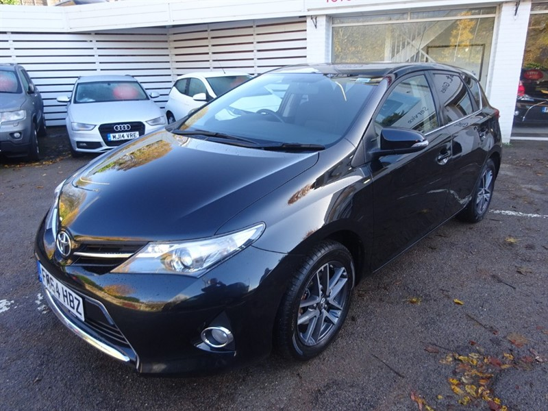 used Toyota Auris VALVEMATIC ICON PLUS- SAT NAV - CAMERA - H/SEATS in amersham