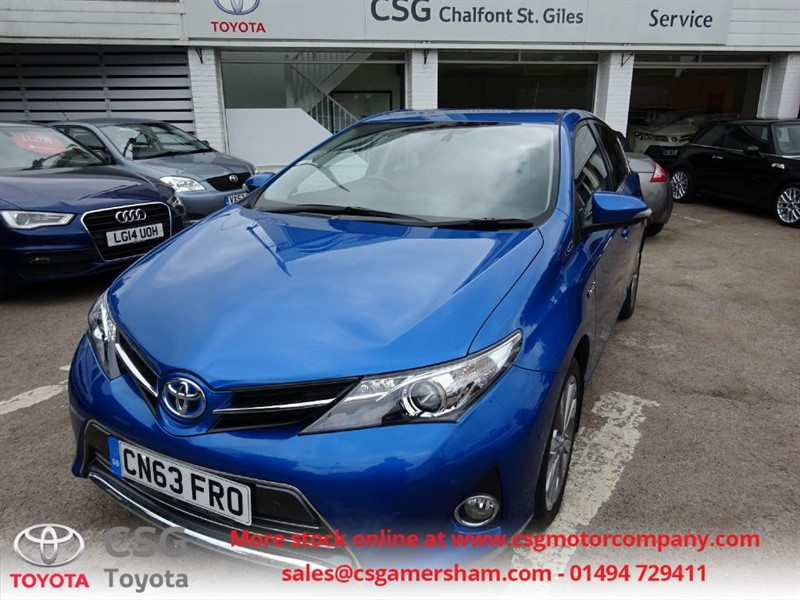 used Toyota Auris EXCEL VVT-I HYBRID - FTSH - LOW MIEAGE - BLUETOOTH - REAR CAMERA in amersham