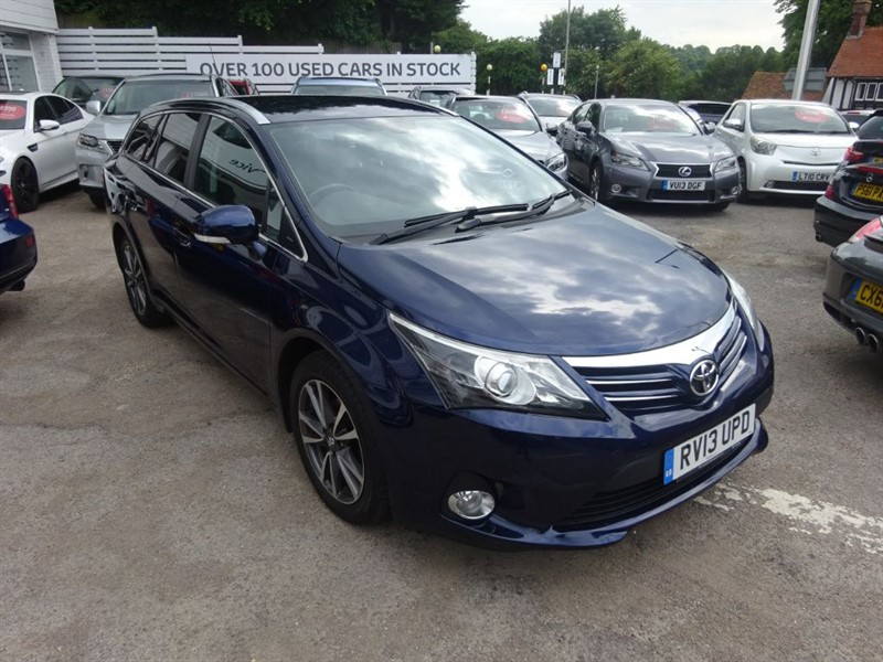 used Toyota Avensis D-4D SELECT - CLAIMET -SAT NAV - BLUETOOTH in amersham