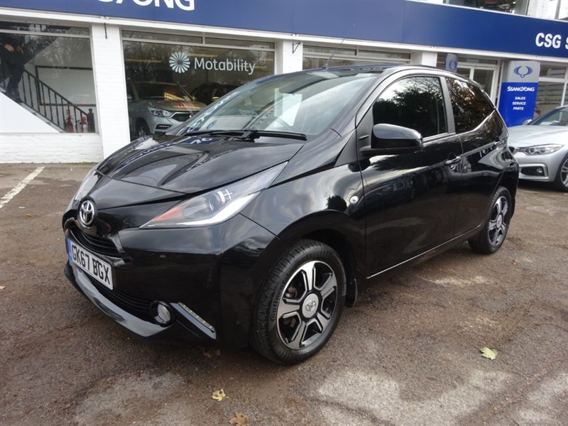 used Toyota Aygo VVT-I X-CLUSIV 3 - FTSH - R/CAMERA -LEATHER - CLIMATE in amersham
