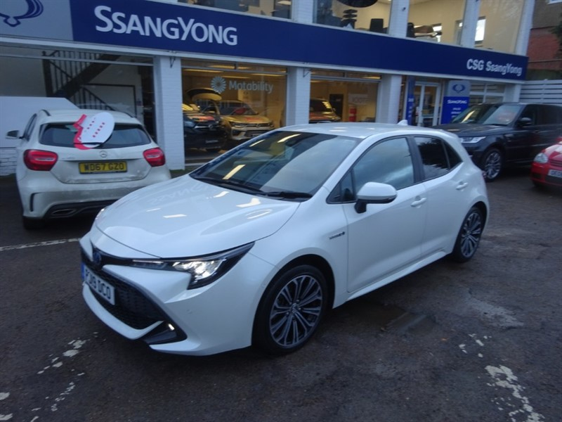 used Toyota Corolla VVT-I DESIGN -SAT NAV - F&R SESNOSR - R/CAMERA - H/SEATS in amersham
