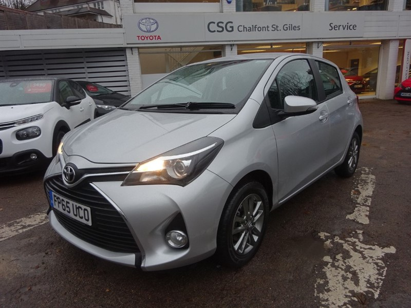 used Toyota Yaris VVT-I ICON M-DRIVE S - SAT NAV - BLUETOOTH - AIR CON  - ALLOYS in amersham
